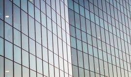 Fachada constructiva de cristal duplicada moderna Configuración contemporánea foto de archivo libre de regalías