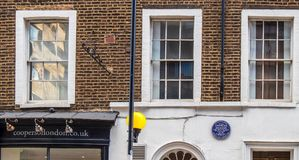 Fachada da casa onde Charles Dickens viveu Fotografia de Stock