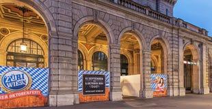Fachada da construção principal da estação de trem de Zurique Imagem de Stock