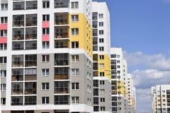 A fachada da construção residencial Imagem de Stock Royalty Free