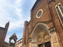 Fachada da igreja de Santa Anastasia, Verona, Itália Imagem de Stock