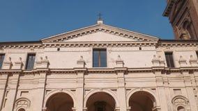 Fachada da igreja de Santa Barbara em Mantua video estoque