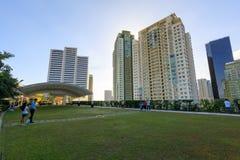 Fachada da manutenção programada Aura Premier, shopping em Taguig, Filipinas imagem de stock royalty free