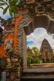 Fachada da porta do Balinese do templo Ubud bali Fotos de Stock Royalty Free