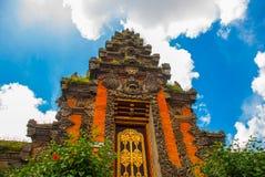 Fachada da porta do Balinese do templo Ubud bali Imagens de Stock Royalty Free