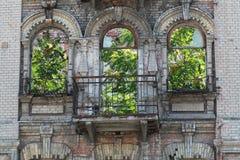 Fachada de construção abandonada Imagens de Stock Royalty Free