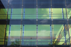 Fachada de cristal de un edificio del negocio Imagenes de archivo