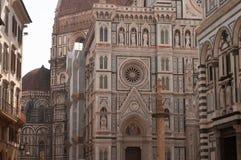 Fachada de Florence Italy Baptistery de San Giovanni com a abóbada Santa Maria del Fiore Imagens de Stock