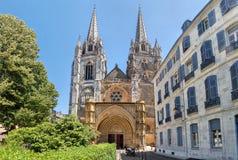 Fachada de Gorhic de la catedral de Bayona fotos de archivo libres de regalías