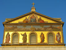 Fachada de la basílica de Saint Paul fuera de las paredes Foto de archivo libre de regalías