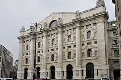 Fachada de la bolsa, Milano Imagenes de archivo
