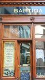 Fachada de la cafetería vieja en Praga Fotografía de archivo libre de regalías