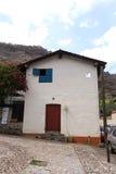 Fachada de la casa de pequeña ciudad Imágenes de archivo libres de regalías