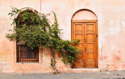 Fachada de la casa vieja en Colonia, Uruguay Foto de archivo