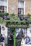 Fachada de la casa y del museo de Sherlock Holmes en 221b el panadero Street Imágenes de archivo libres de regalías
