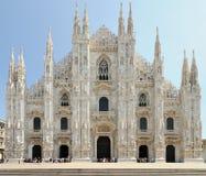 Fachada de la catedral de Milano (Duomo), Lombardía, Italia Foto de archivo