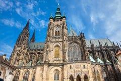 Fachada de la catedral metropolitana de los santos Vitus en Praga fotografía de archivo libre de regalías