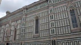 Fachada de la catedral Santa Maria del Fiore en Florencia - Toscana almacen de metraje de vídeo