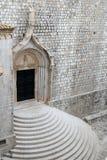 Fachada de la iglesia de Dubrovnik Foto de archivo libre de regalías