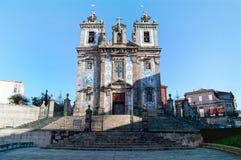 Fachada de la iglesia del santo Ildefonso Porto portugal imagenes de archivo