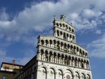 Fachada de la iglesia Lucca Italia de San Michel del Forno Foto de archivo