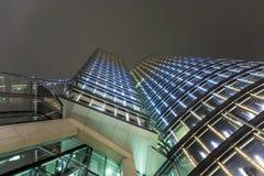 Fachada de la torre del uniqa en Viena cerca Foto de archivo