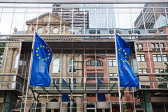 Fachada de la torre euro con reflexiones fotos de archivo libres de regalías