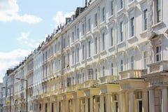 Fachada de las casas colgantes del estilo georgiano en Londres fotos de archivo libres de regalías