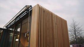 Fachada de madeira de uma casa fotografia de stock royalty free
