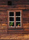 Fachada de madera de la casa fotos de archivo libres de regalías