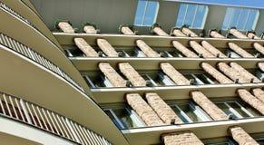 Fachada de um edifício moderno Fotos de Stock Royalty Free