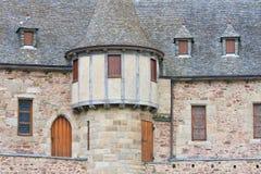 Fachada de un castillo medieval con la torre Fotos de archivo libres de regalías