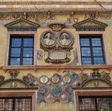 Fachada de un edificio en Verona Fotos de archivo libres de regalías