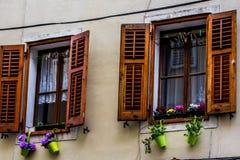 Fachada de un edificio viejo, Piran, Eslovenia Imágenes de archivo libres de regalías