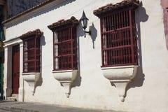 Fachada de una casa colonial Fotografía de archivo libre de regalías