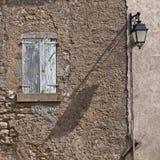 Fachada de una casa francesa vieja Imagen de archivo
