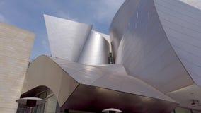 Fachada de Walt Disney Concert Hall - LOS ANGELES, EUA - 1º DE ABRIL DE 2019 video estoque