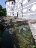 Fachada del detalle de la charca del monasterio de Eslovenia Olimje Minorite foto de archivo