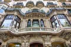 Fachada del edificio de Art Nouveau en Barcelona, España Imagen de archivo libre de regalías