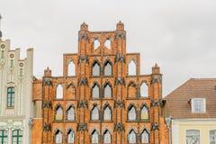 Fachada del edificio de ladrillo en Wismar Fotografía de archivo libre de regalías