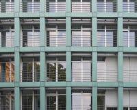 Fachada del edificio de oficinas, Dresden Alemania imagen de archivo