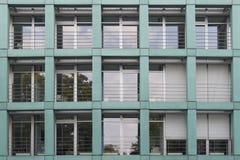 Fachada del edificio de oficinas, Dresden Alemania fotos de archivo