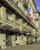 Fachada del edificio de Schweizerhof Zurich del hotel fotos de archivo libres de regalías