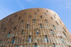 Fachada del edificio moderno en Barcelona Foto de archivo