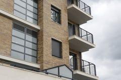 Fachada del edificio residencial Fotografía de archivo libre de regalías