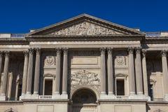 Fachada del museo del Louvre, París Imagenes de archivo