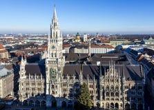 Fachada del nuevo ayuntamiento de Munich Imágenes de archivo libres de regalías