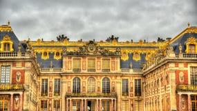 Fachada del palacio de Versalles Imagen de archivo libre de regalías