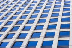 Fachada del rascacielos Fotos de archivo