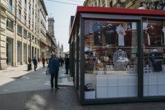Fachada delantera de Milan Official Store foto de archivo